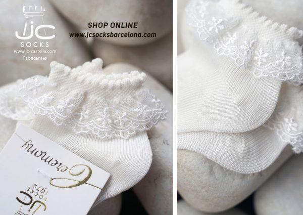 calcetines bebé con puntilla